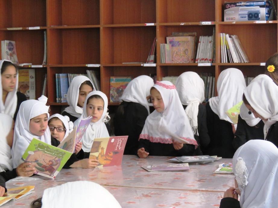 Affluence pour la lecture lors de la récréation